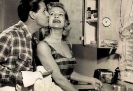 DIA DA DONA DE CASA: Guia da 'boa esposa' dos anos 50 traz dicas de comportamento no lar