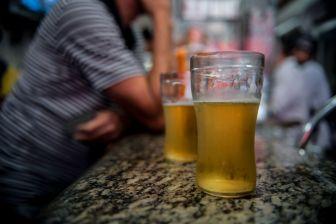 cerveja 1 300x200 - Polícia dos EUA procura voluntários para ficarem bêbados em treinamento