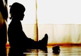 BARBÁRIE: Avó presa por estuprar e filmar netos compartilhava vídeos dos abusos