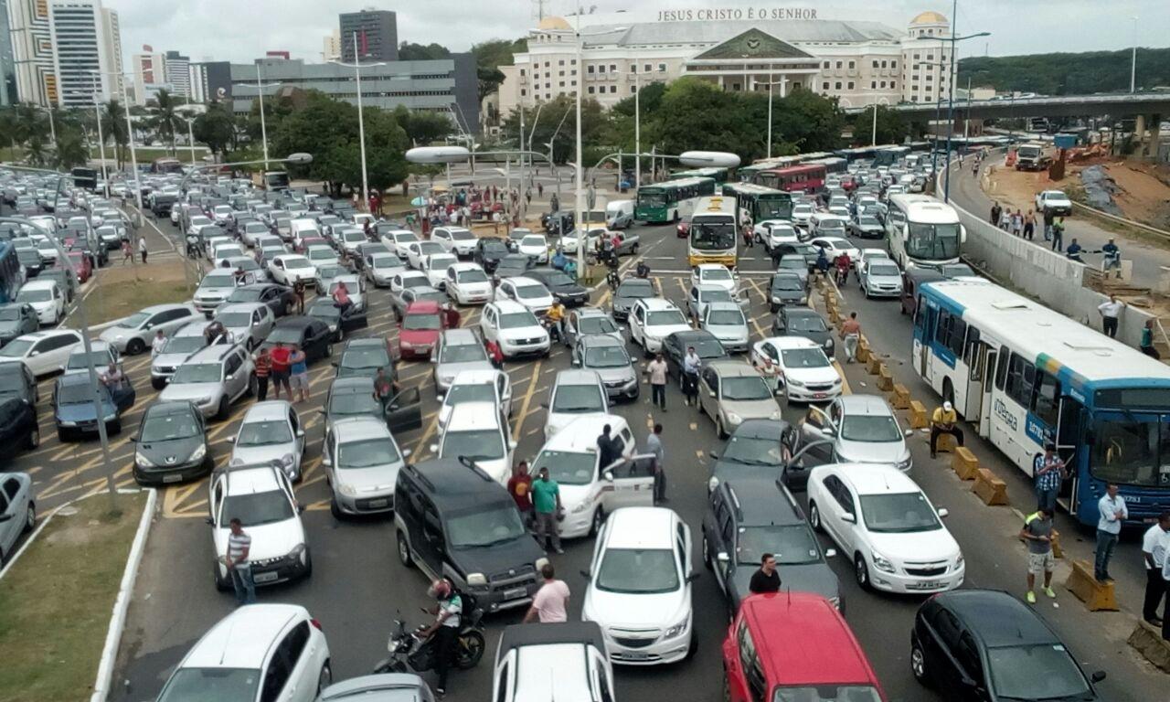 engarrafamento iguatemi - Proibição de venda de carros a gasolina a partir de 2030 avança no Senado