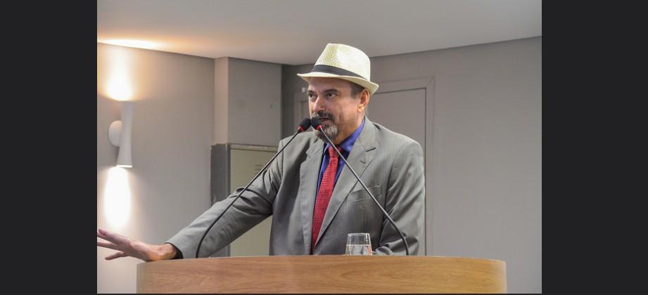 jeová - Jeová Campos solicita audiência pública para investigar fechamento de Comarcas na Paraíba
