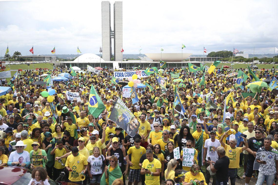 jfcrz 20181021 1894 - Atos pró-Bolsonaro levam apoiadores a diversas cidades do país