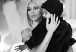 PALPITEIROS: Seguidores criticam Kim Kardashian por dar chupeta a filho
