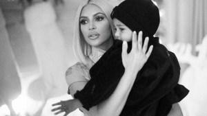 naom 5a4c8696921b8 300x169 - PALPITEIROS: Seguidores criticam Kim Kardashian por dar chupeta a filho
