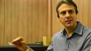 naom 5bbcd993e161f 300x169 - Haddad tem de afastar um pouco essa marca do PT, diz Camilo Santana