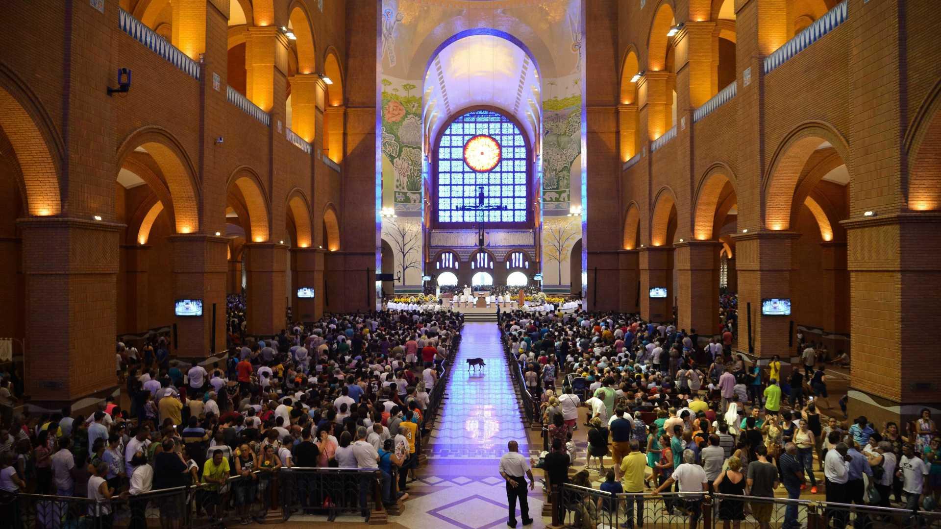 naom 5bc08eef02d53 - Festa da Padroeira do Brasil movimenta Santuário de Aparecida