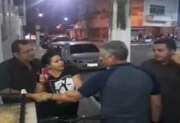 VEJA VÍDEO: marido de vereadora de Cabedelo e dirigente de partido protagonizam desentendimento na porta de Câmara