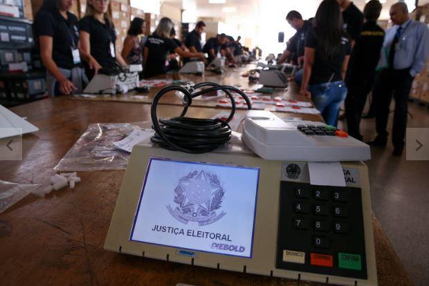 urna eleitoral - TRE substitui 24 urnas em duas horas de votação, na PB