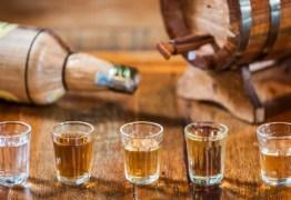 'Prova da cachaça': desafio feito por município termina com pessoas em coma alcoólico