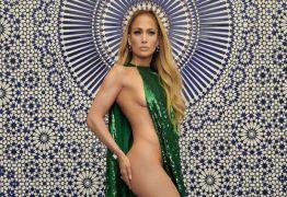 Aos 49 anos, Jennifer Lopez impressiona com look sensual