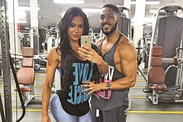 10953600 852786568111653 122510765 n - Gracyanne Barbosa brinca com fase fitness de Belo: 'Tá se achani'