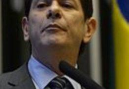 Equipe econômica de Bolsonaro não durará seis meses, prevê Cid Gomes