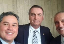Efraim Filho se encontra com Jair Bolsonaro em Brasília; saiba o que eles conversaram
