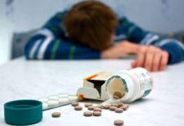Mortes por overdose aumentam e cai expectativa de vida nos EUA