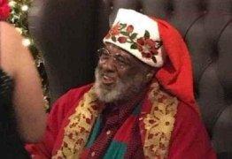 Foto de Papai Noel negro em shopping viraliza na web