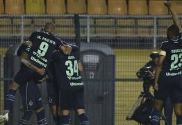Santos perde para Chapecoense e se distancia de vaga na Libertadores
