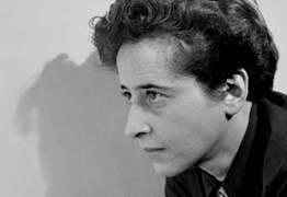 Hannah Arendt investiga a relação entre liberdade e processos revolucionários
