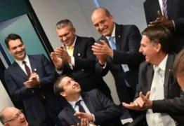 RELAÇÃO COM MILITARES: Julian Lemos rebate acusações e afirma que a Veja dissemina fake news, 'eu sou querido'