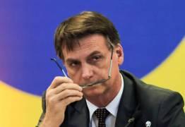 Bolsonaro afirma que cortou relações com ex-assessor até que ele explique irregularidades ao MP