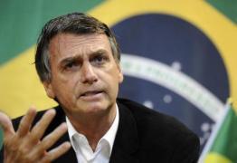 Bolsonaro encerra coletiva ao ser questionado sobre saída de Cuba do Mais Médicos