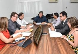João Azevêdo discute com Comissão de Transição mudanças na estrutura administrativa do Estado