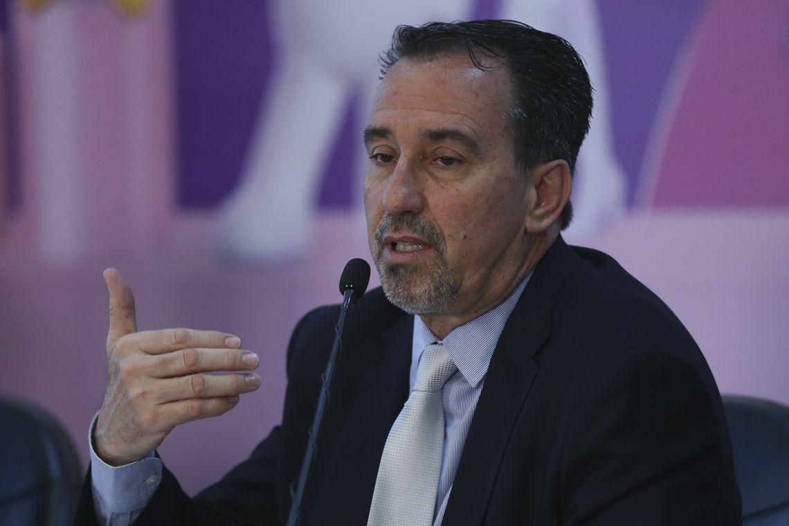 Ministro propõe que médicos oriundos do Fies substituam cubanos