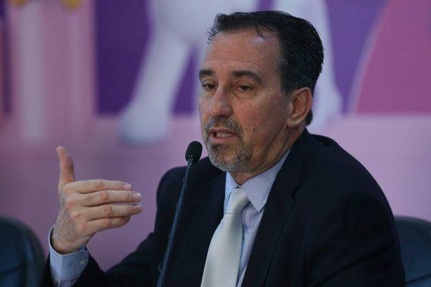 jfcrz abr 3107182454df 300x200 - Ministro propõe que médicos oriundos do Fies substituam cubanos