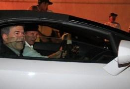 Lamborghini em que Roberto Santiago levou Leto para tomar posse é bloqueada pela Justiça