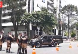 Após 7 meses preso, Lula segue para interrogatório sobre Sítio de Atibaia – VEJA VÍDEO