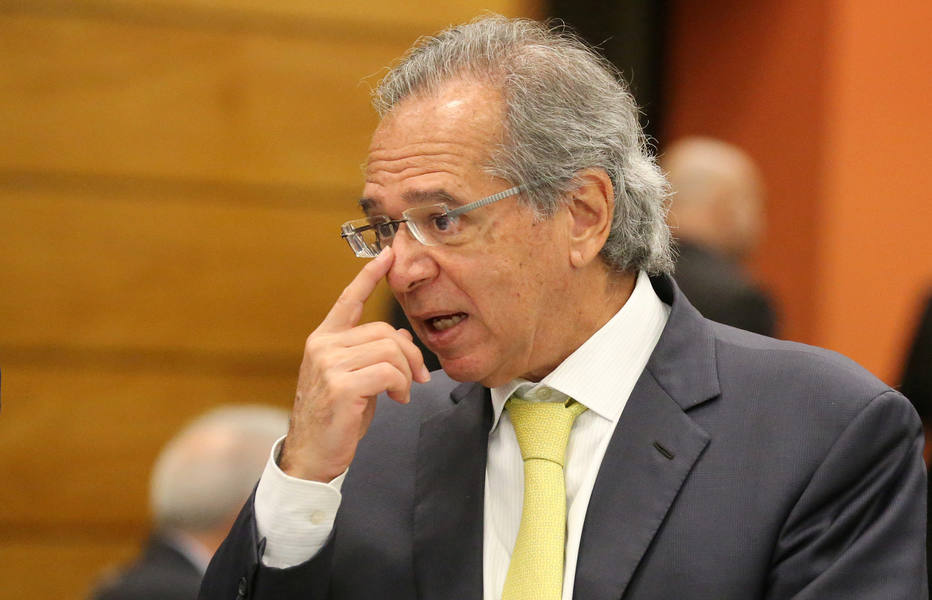 paulo guedes - Governo de Bolsonaro vai promover corte de cargos em bancos estatais