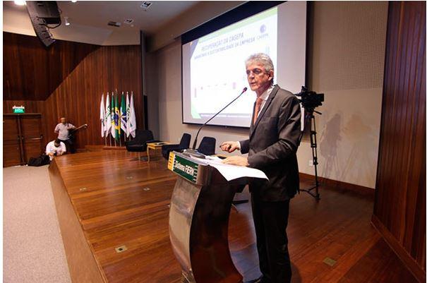 ricardo coutinho palestra - Ricardo Coutinho relembra começo da gestão em seminário no RN:  'Medidas impopulares são necessárias na gestão'