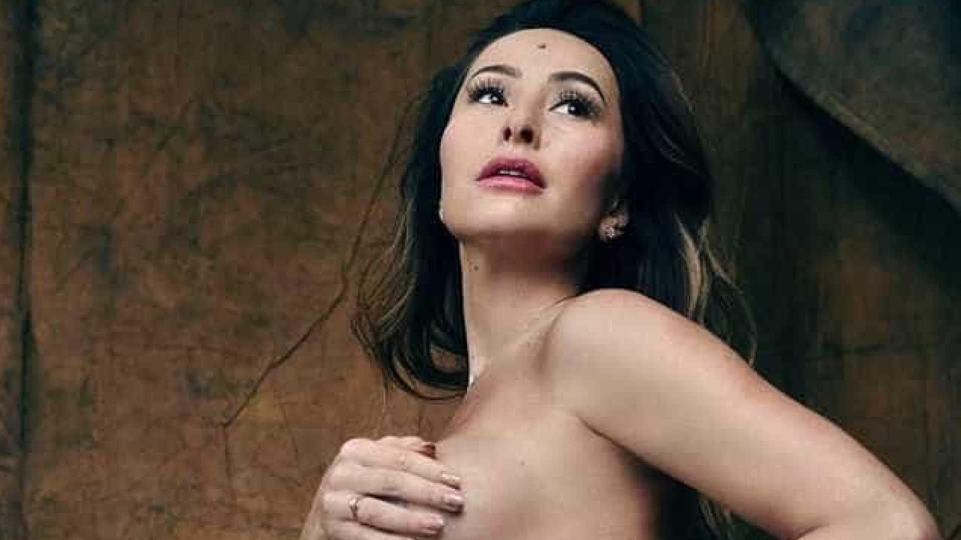 Sabrina Sato posa nua e exige barriga de 9 meses