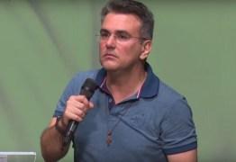 Sérgio Queiroz critica 'desinformação' e defende a ciência e as vacinas contra a Covid-19 como 'uma dádiva de Deus'