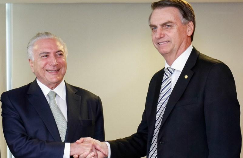temer bolsonaro - Bolsonaro estuda cortar em até 50% salários de servidores públicos