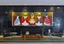 Michele pode mandar tirar obras sacras do Palácio da Alvorada, onde Bolsonaro irá morar