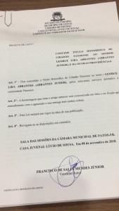 3f19ae50 f44e 4ea6 8a60 007bb8fa8337 169x300 - OUÇA: Câmara Municipal de Patos concede título de cidadão patoense ao radialista Abrantes Júnior