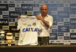 """Sampaoli diz que quer estar """"à altura do Santos"""" e que o clube tem a ver com sua """"ideia futebolística"""""""