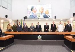 João participa de entrega da Medalha Epitácio Pessoa a Rogério Fialho e destaca compromisso do desembargador com a PB