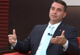 Sete assessores de Flávio Bolsonaro fizeram depósitos para ex-motorista