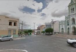 Detentos fogem pelo telhado de cadeia pública na Paraíba