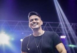 Cantor paraibano ganha competição de 'Revelações Sertanejas'