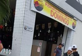 VEJA VÍDEO: bandidos assaltam loja de eletrodomésticos nos Bancários e são presos pela polícia
