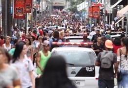 Confiança do comércio no Brasil sobe em dezembro e termina ano em maior nível em quase 6 anos, diz FGV