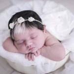 fotob3 - Bebê que nasceu com mecha branca no cabelo faz sucesso desde o parto