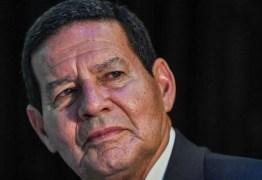 Mourão afirma que se convenceu com Queiroz, mas diz que 'resta saber' se MP se convencerá
