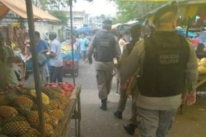 operacao feira guarabira 300x200 - Homem é morto com oito golpes de faca em feira livre na Paraíba