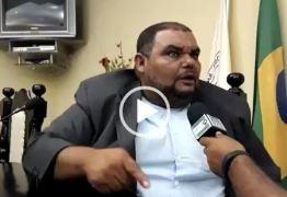 VEJA VÍDEO: Vereador de Pernambuco viraliza nas redes sociais após entrevista inusitada