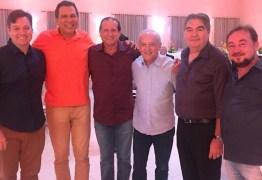 CLIMA DE FESTA: Ricardo Barbosa garante presença em confraternização da bancada governista