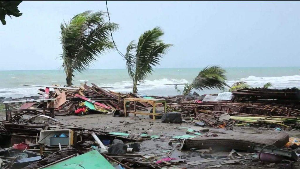 tsunami indonésia 2018 1024x576 - Forte terremoto atinge a Indonésia e gera alerta de tsunami