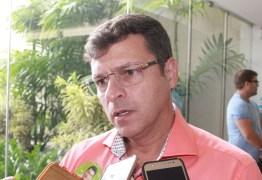 NOVELA DE CABEDELO: Vitor Hugo convoca eleição para Câmara e deve assumir Prefeitura